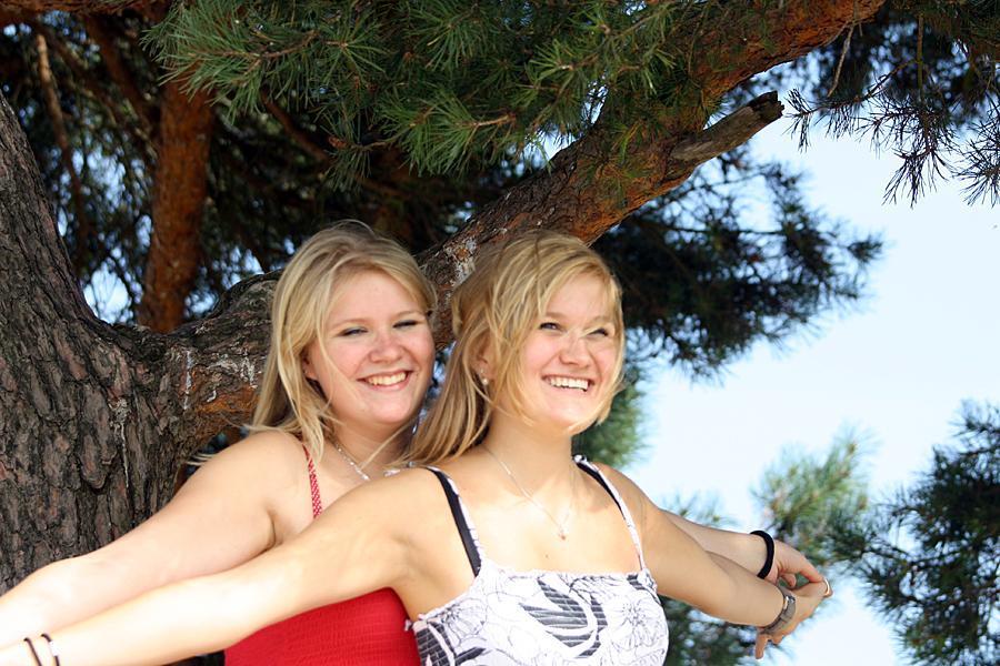 Fotografie Nijkerk fotoshoot Nienke en Michella door Rick van den Hengel