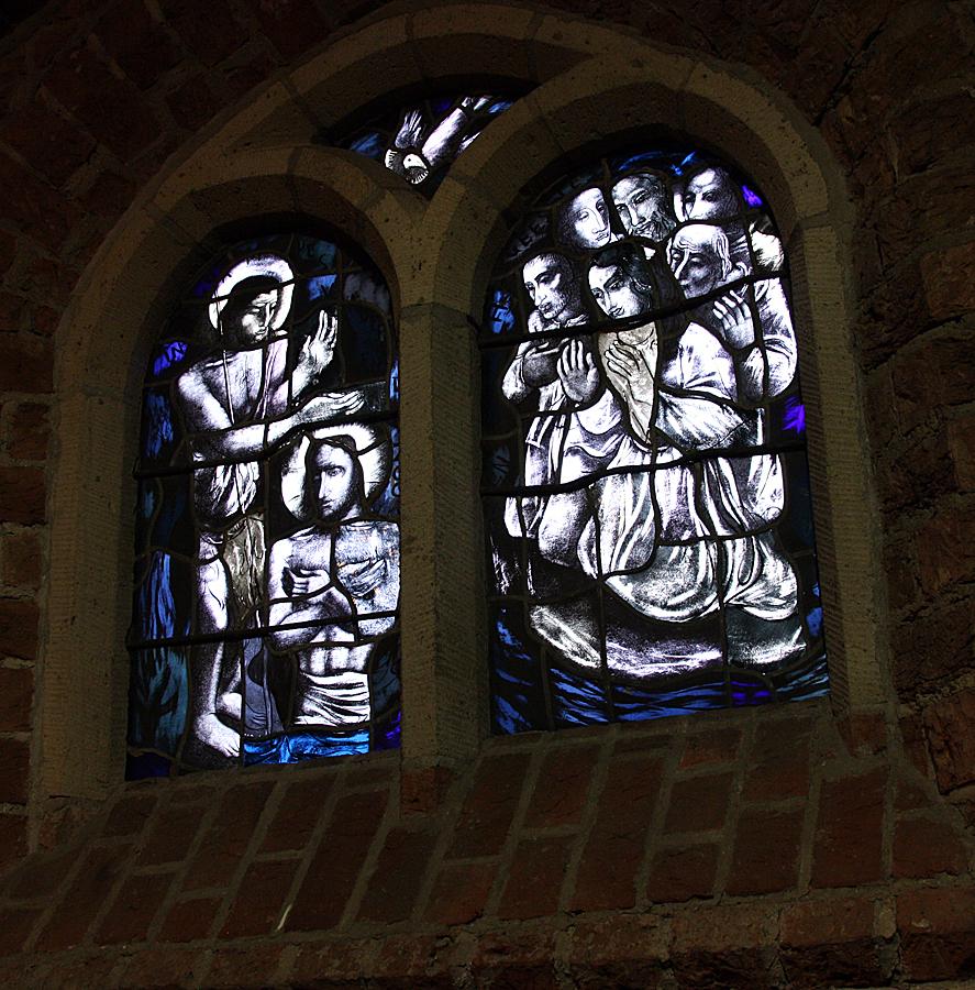 kerk-in-achterveld-glas-in-lood-2010